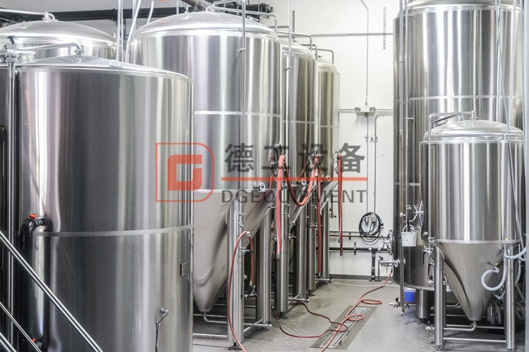 Stainless steel beer Unitank