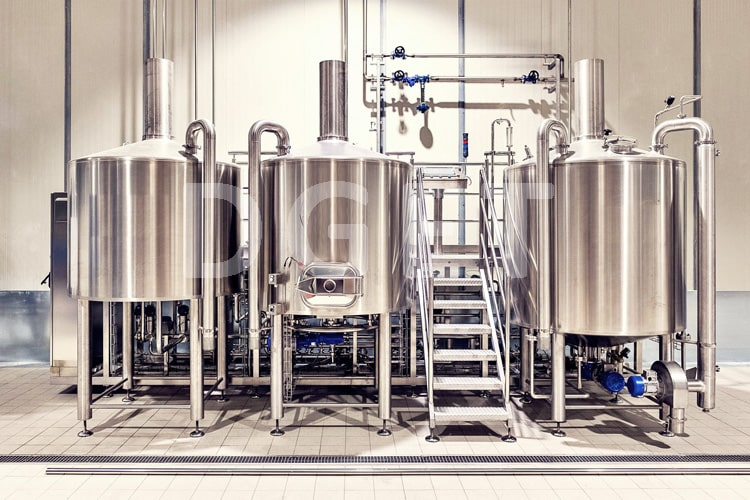 3-VESSLES BEER BREWHOUSE