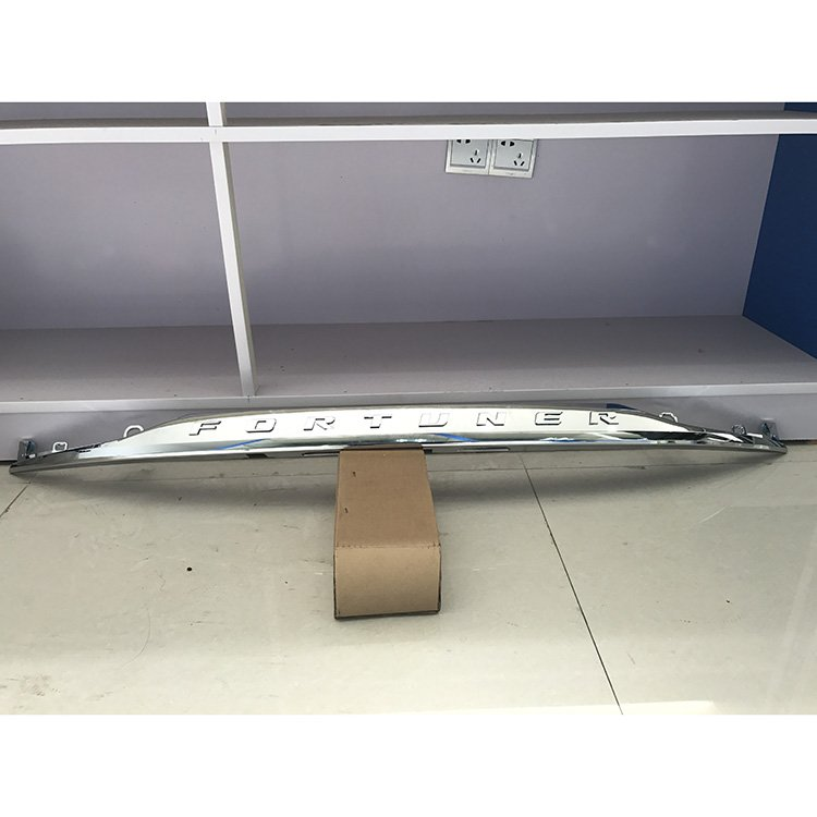 FORTUNER SW4 2016 TAIL GATE CHROME STRIP